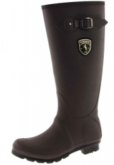Kamik wellies are manufactured in Canada for extreme conditions df633c0f69